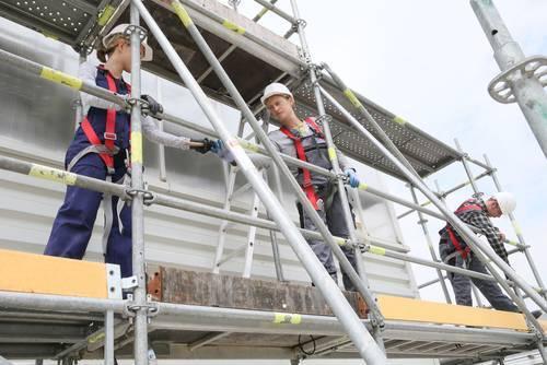 scaffold erecting in burton on trent