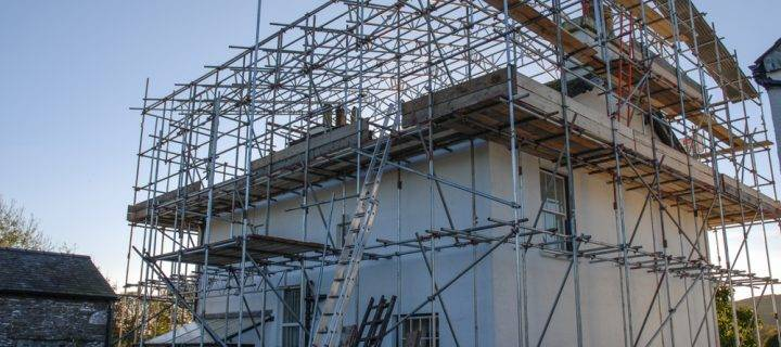 Using Temporary Roofing with Scaffolding
